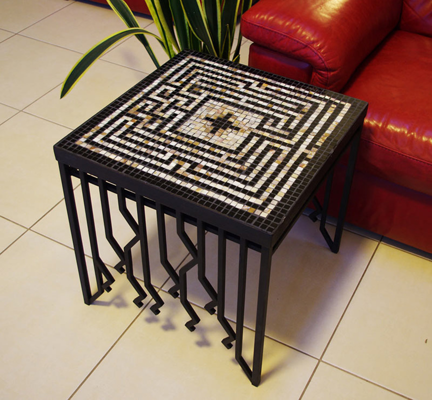 Coffee table «Labyrinth of the Minotaur»